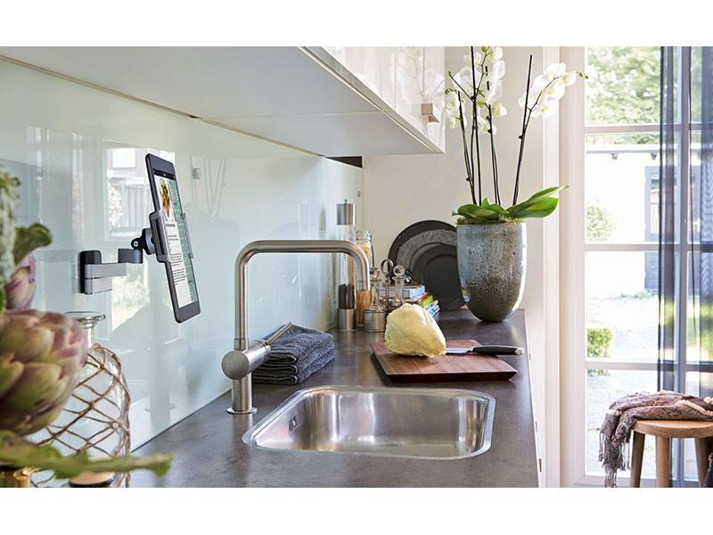 vogels tms 1010 universal flache tablet wandhalterung. Black Bedroom Furniture Sets. Home Design Ideas
